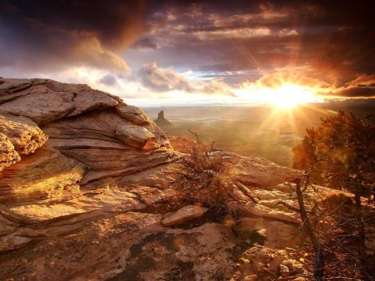 montanhas-por-do-sol